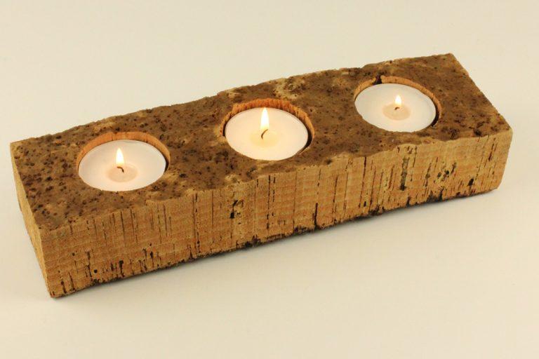 Castiçal de cortiça, 10 x 33 cm, com 3 velas