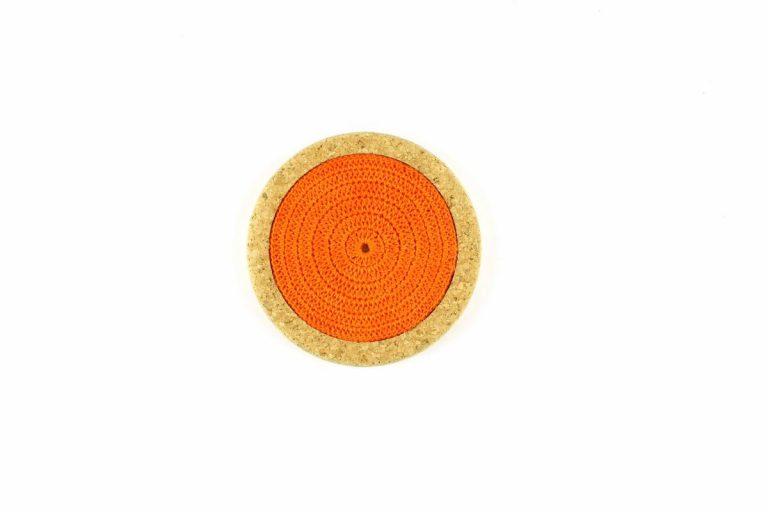 Base de cortiça, com linha laranja, com 12 cms de diâmetro
