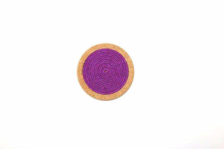 Base de cortiça, com linha roxa, com 12 cms de diâmetro