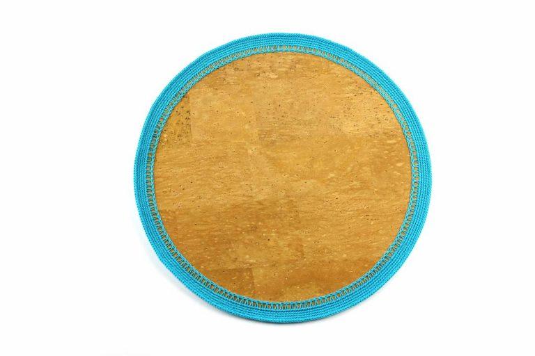 Marcador para pratos, com tecido de cortiça natural e linha azul turquesa, com 34 cm de diâmetro