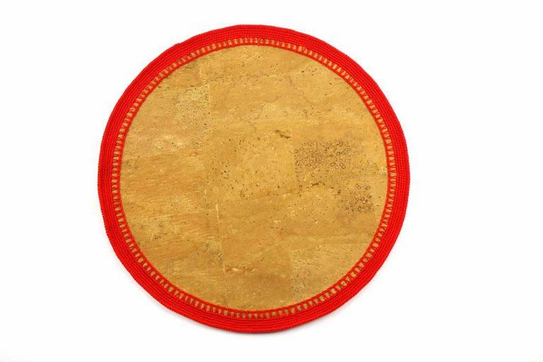 Marcador para pratos, com tecido de cortiça natural e linha vermelho vivo, com 34 cm de diâmetro